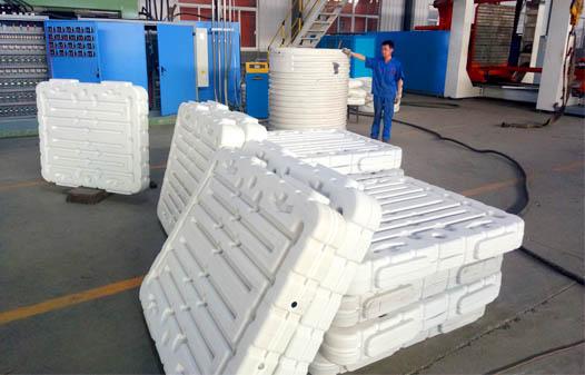 pallet blow molding machine2